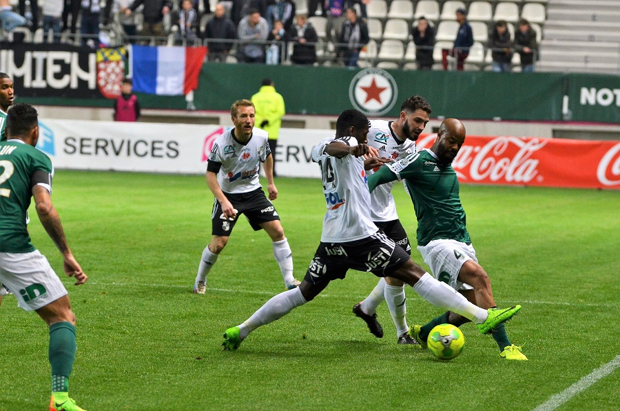 RED STAR - AMIENS