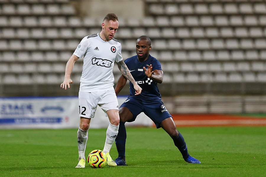 Emmanuel Bourgaud face au Paris FC, en L 2 © Jacques Martin